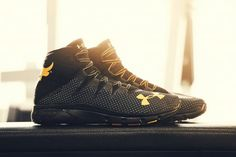 Under Armour Project Rock Delta Black Gold