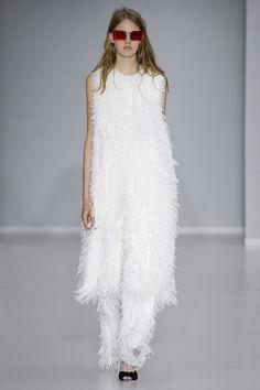 @MarcodeVincenzo #Spring16 #RTW #runway #fashion #Milan