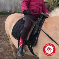 Pferde, reiten – Reiterhosen Schnitt von Erbsenprinzessin – Lovely PauNi Blog Riding Boots, Blog, Shoes, Fashion, Horse And Rider, Princess, Sewing Patterns, Kids, Horse Riding Boots