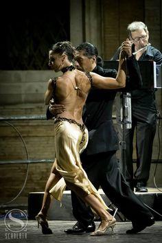 style tango ..by Angela Facchini