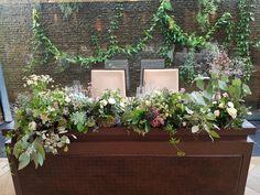 #flaige葵#novarese#vressetrose#wedding #white #banqet #natural#flower #bridal#maintable#table#フレアージュ葵#ノバレーゼ# ブレスエットロゼ #ウエディング# ホワイト#グリーン#バンケット# メインテーブル# ナチュラル#スタイリッシュ# ブライダル#ユーカリ Space Wedding, Table Flowers, Wedding Coordinator, Bridal Flowers, Wedding Table Decorations, Wedding Planning, Table Settings, Centerpieces, Grooms Table
