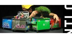 O desinger industrial Ryan Christensen, de Washington, criou algumas lixeiras diferentes e modernas. O objeto de descarte de lixo pode, na visão dele, ser objeto de decoração. O trabalho é todo feito à mão pelo artista.