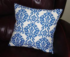 """Screen print Desidn """"Weverly"""" Decorative Pillow Cover- 18x18--Throw Pillow--IKAT Blue and white damask desidn"""