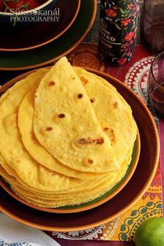 Szeretjük a tortillát, de amikor elolvastuk a csomagoláson, mennyi káros anyag található a bolti változatban, nem v... Indian Food Recipes, Diet Recipes, Vegetarian Recipes, Cooking Recipes, Healthy Recipes, Ethnic Recipes, Kerala Food, Vegan Bread, Hungarian Recipes