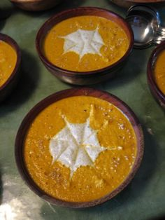 Raw carrot curry soup  3 cup carrots, chopped 1 cup chopped celery 2 cup water 1 avocadoes 1 clove garlic 3 tsp. ginger juice or whole ginger 1 tsp. lemon juice 1 tsp. curry powder ½ tsp. cumin ½ tsp. Celtic or Himalayan Salt ¼ tsp. cayenne ¼ tsp. fresh ground black pepper Use a blender and serve!