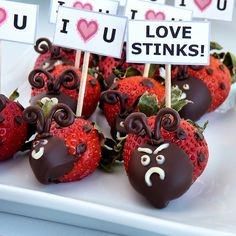 Strawberry Love Bugs! A tutorial. :-)