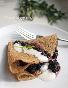 Naleśniki gryczane Pancakes, Waffles, Polish Recipes, Polish Food, Vegan Vegetarian, Healthy Recipes, Healthy Food, Food And Drink, Health Fitness