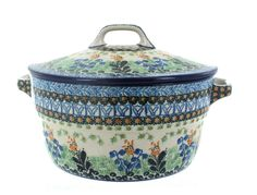 Blue Rose Polish Pottery Lily of the Valley Covered Round Baker Cool Kitchen Gadgets, Cool Kitchens, Quirky Kitchen, Kitchen Stuff, Kitchen Ideas, Kitchen Decor, Polish Pottery, Lily Of The Valley, Casserole Dishes