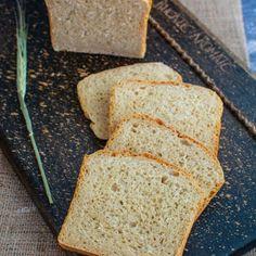 Pâine toast moale și pufoasă, ideală pentru mic dejun și sandvișuri | Bucate Aromate Toast, Banana Bread, Desserts, Food, Tailgate Desserts, Deserts, Essen, Postres, Meals