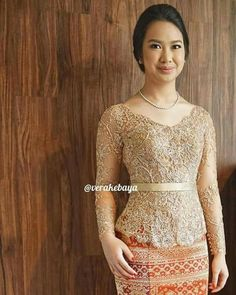 Model Dress Kebaya, Kebaya Modern Dress, Blouse Batik, Batik Dress, Myanmar Traditional Dress, Traditional Dresses, Model Kebaya Modern, Kebaya Lace, Kebaya Wedding