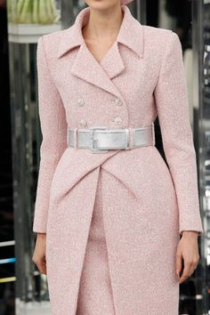 Chanel Haute Couture Spring / Summer 2017 Details Visit our shop when it is not . - Chanel Haute Couture Spring / Summer 2017 Details Visit our shop if it doesn& have to be Chan - Fashion Week, Runway Fashion, Spring Fashion, High Fashion, Fashion Outfits, Womens Fashion, Chanel Fashion Show, Paris Fashion, Chanel Couture