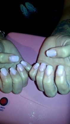 Acrylic tips *pink, glitter ring finger, shellac*