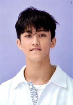 Mark is a big boy now he acting like his momma ty Mark Lee, K Pop, Nct Debut, Nct 127 Mark, Lee Min Hyung, Canadian Boys, Johnny Seo, Wattpad, Na Jaemin