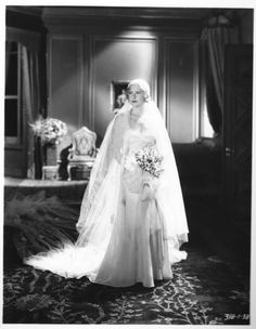 Mae Clarke in Frankenstein (1931). Costume designed by Vera West.