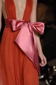 Red Satin Bow Glamour | The House of Beccaria#
