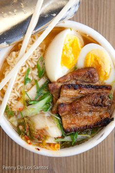 Ramen, East Side Kings at Grackle.Ramen noodle, pork belly, poached egg, green onion and kimchee Korean Dishes, Korean Food, I Love Food, Good Food, Yummy Food, Asian Recipes, Healthy Recipes, Ethnic Recipes, Hawaiian Recipes
