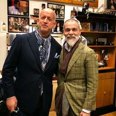 """Thanks to @guswalbolt:  ... """"Stopping in at Frasi @frasidisimonerighi to meet the ever so stylish Simone Righi. Simone helped me pick out a knit tie and pocket square to go with my Donegal tweed jacket. We were off to dinner so I will be back for more! . . . .  #menswear #mensstyle #mensstyleblogger #mensfashion #styleforum #ptoman #ootd #sartorial #sprezzatura #florence #gq #blogger #frasi #simonerighi #instafashion #style #fashion #fashionblogger #streetwear #streetstyle"""""""