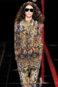 Just Cavalli Fall 2013 Ready-to-Wear Fashion Show Fashion 2020, Love Fashion, Runway Fashion, High Fashion, Fashion Show, Autumn Fashion, Womens Fashion, Fashion Design, Milan Fashion
