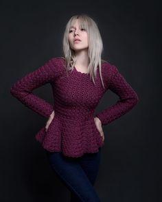 61 Stylish and Cute Crochet Top Pattern Ideas for Summer! Part crochet top pattern; crochet top plus size; T-shirt Au Crochet, Crochet Mignon, Pull Crochet, Mode Crochet, Crochet Shirt, Crochet Woman, Crochet Cupcake, Doilies Crochet, Crochet Hats