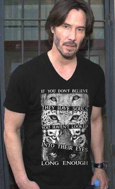 #JohnWick/JohnWickChapter2 Keanu Reeves(John),wow..I kind of like that shirt! o.o - The wolf that kills