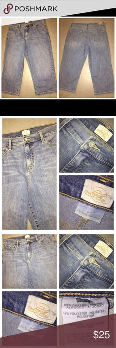 LEVI'S 512 Perfectly Slimming Crop Jeans Sz 14 LEVI'S 512 Perfectly Slimming Crop Jeans Sz 14. These jeans are made of 84% cotton, 14% polyester, and 2% Elastane. These have a comfortable stretch. Waist measures 34 inches and the inseam is 20 inches. Levi's Jeans Ankle & Cropped