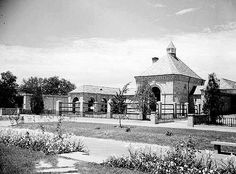 Elephant House from Audubon Zoo 1930. Structure still remains