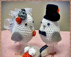 Personalized  Love Birds pair, Bird Cake Topper, Wedding Birds cake Topper, Two crocheted Birds set, Customized Wedding set of Birds,