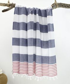 Now, towels are offered in a range of sizes, materials and designs. These towels are just amazing, and I'm already thinking about purchasing a couple more. Turkish Bath Towels, Beach Bathrooms, Bathroom Towels, Decorative Pillow Covers, Kilim Rugs, Design, Bathroom Ideas, Ankara, Navy Blue