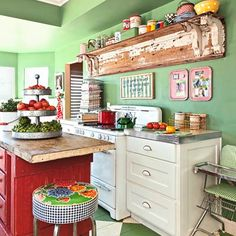 Ideia de cozinha colorida.