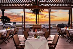 The list of luxurious restaurants in Cape Town is growing and lately you find yourself spoiled for choice. Here are some top dining experiences to consider when visiting the Mother City. #capetown #FDLMoment #luxuriousrestaurants