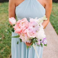 What better way to start the day than with this pastel petal party!💐{Photo: Morgan Marie Photography; Floral Design: @petalandpine}