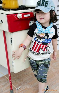 Short kids, army graphic @Hellokids Shop