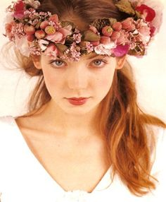 lovely floral head wreath – Basia Zarzycka as seen on Bride Chic – Laurel Wreath İdeas. Flower Head Wreaths, Hair Wreaths, Flower Garlands, Flower Crown Hairstyle, Crown Hairstyles, Floral Headdress, Laurel Wreath, Flowers In Hair, Bella