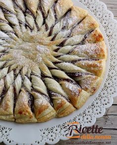 Sole di sfoglia alla Nutella  #cake #nutella #merenda #pastasfoglia #foodporn #vsco #foodstyle #food #cooking #foodstagram #follow #followme #instagood #instalike #instadaily #recipe #italianrecipe #italianfood #ricettedellanonna #good #love #happy #italy #passione #fotooftheday #foodblogger #chef #beautiful #instafollow #vscofood