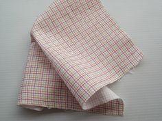 TUTORIAL: Endurecer una tela para manualidades   Bricolaje Sewing Techniques, Scrap, Blanket, Canvas, Womens Fashion, Blog, Html, Origami, Gingham Quilt