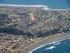 Escapada al balneario Pichilemu, Chile | eTurismo Viajes Surf, Chile, City Photo, Outdoor, Day Spas, Elopements, Beach, Trips, People