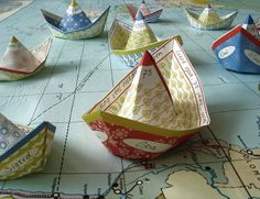 Aren't these the cutest little paper boats?