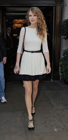 Taylor Swift's Cream lace 3/4 sleeve with black petticoat dress with oxfords.  Outfit details: http://wwtaylorw.com/298/