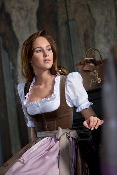 Dirndl by Susanne Spatt - guide for Christine's corset