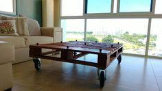 DIY Construction: Pallet Living Room Table