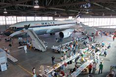 Delta Air Lines Headquarters - Boeing 767