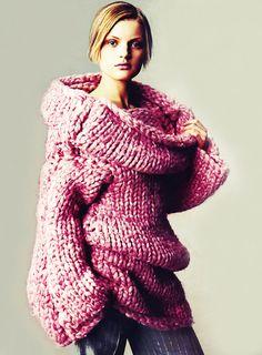 model: Guinevere Van Seenus wearing Alexander Mcqueen knitwear photographer: Steven Meisel for Vogue Knitwear Fashion, Crochet Fashion, Mode Rose, Barbie Mode, Style Haute Couture, Karen Elson, Vogue Editorial, Vogue Us, Steven Meisel