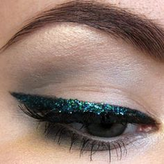 Green liner is perfect for those holiday parties coming up!