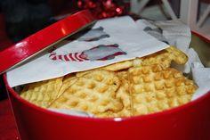 Barnematbloggen: Tørre vafler – en juletradisjon Waffles, Breakfast, Christmas, Food, Towers, Morning Coffee, Xmas, Weihnachten, Waffle