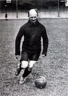 Bill Hardy signed for Cardiff City FC from Stockport County for £25 in 1911
