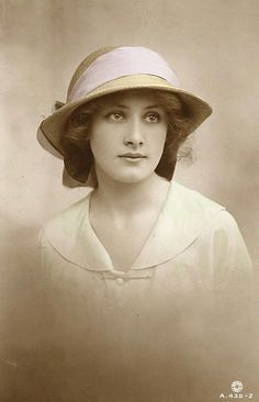 Loveliness (postcard, 1920)