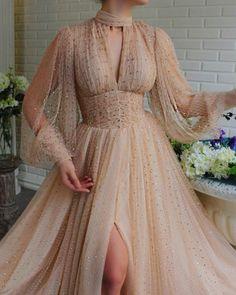 Pretty Quinceanera Dresses, Pretty Prom Dresses, Elegant Dresses, Beautiful Dresses, Vintage Dresses, Nice Dresses, Fairytale Gown, Gala Dresses, Fantasy Dress