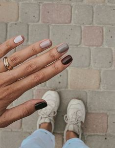 37 Lighter Warm Brown Nails Are Very Lovely nails, brown nails, natural nails,nail art Shellac Nails Fall, Fall Acrylic Nails, Diy Nails, Cute Nails, Pretty Nails, Simple Fall Nails, Cute Spring Nails, Nails For Autumn, Nails Design Autumn