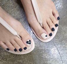 Pretty Toe Nails, Cute Toe Nails, Gorgeous Nails, Toe Nail Color, Toe Nail Art, Nail Art Diy, Classy Nails, Stylish Nails, Simple Nails