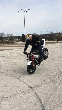 #stuckinohio #stuntrider #stoppie